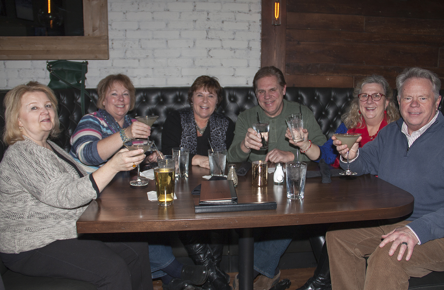 The Loop West End St. Louis Park, MN Bar and Restaurant | Best places to eat in Minneapolis